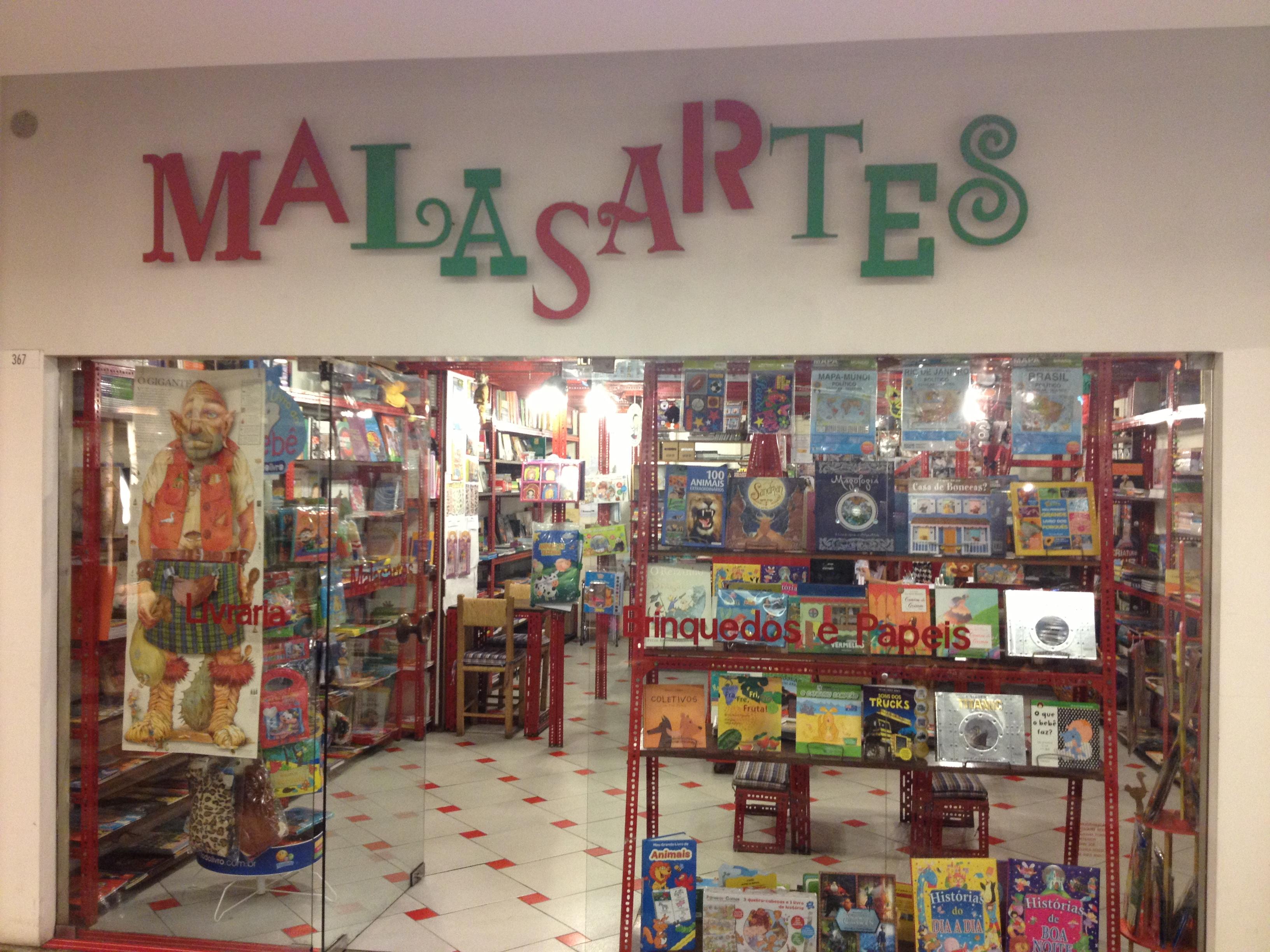 Estamos na tradicional Livraria Malasartes na Gávea (RJ) O mundo  #946837 3264x2448